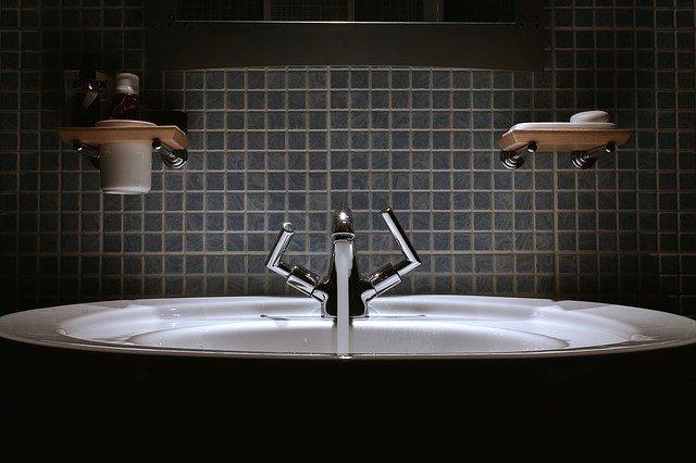 Come scegliere la rubinetteria del bagno e in cucina edilcantiere